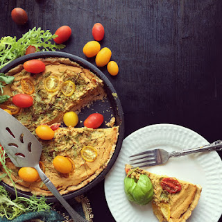 Savory pumpkin – Arugula quiche with earl grey crust (vegan)
