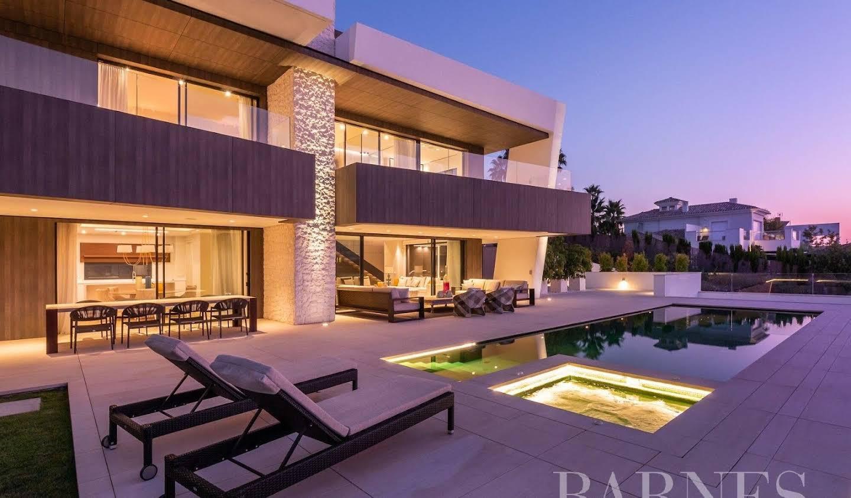 Villa avec piscine et terrasse Nueva Andalucia