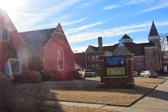 Photo: Emporiassa on uskovaista porukkaa - kirkkoja löytyy joka kulmasta
