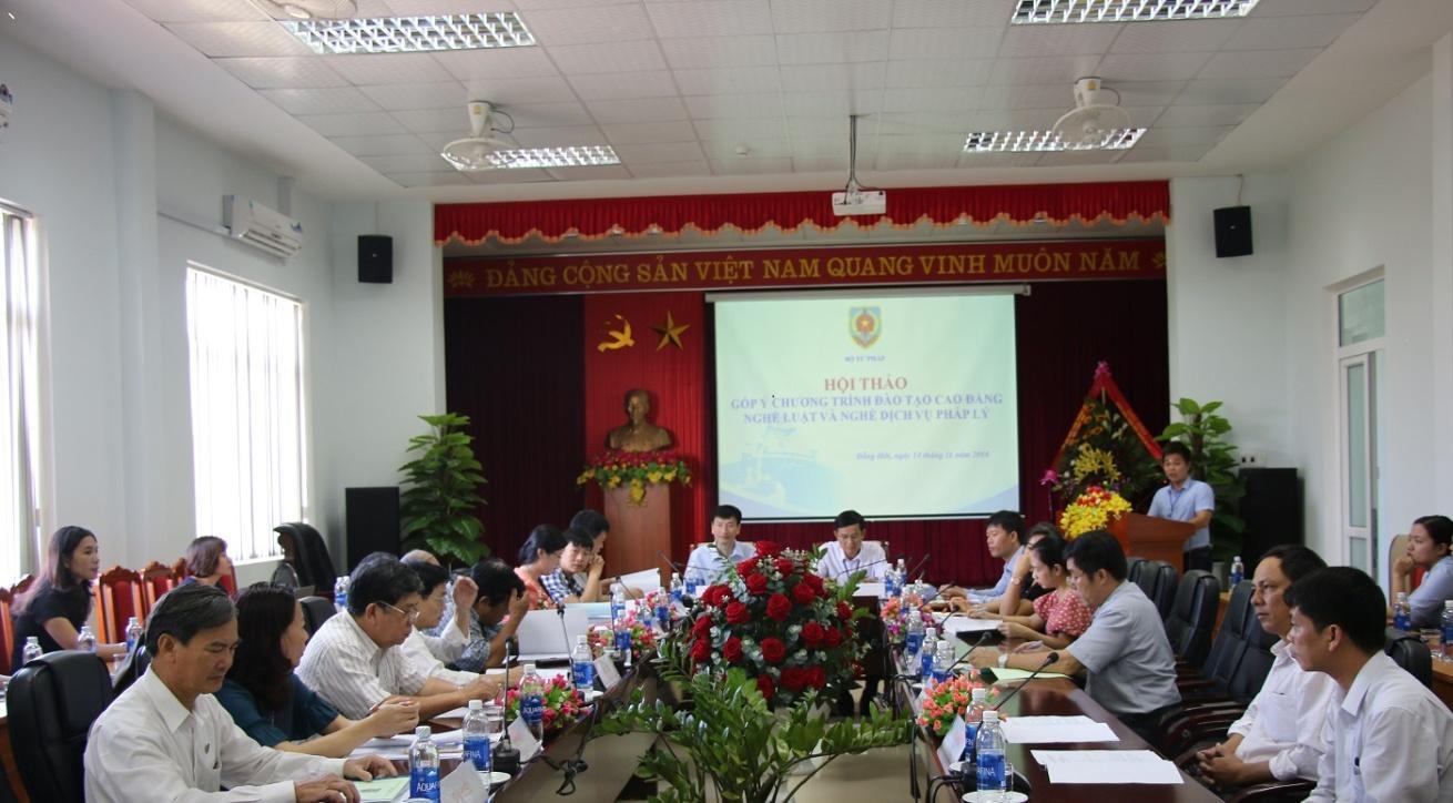 http://trungcapluatdonghoi.edu.vn/uploads/news/2018_11/11.jpg