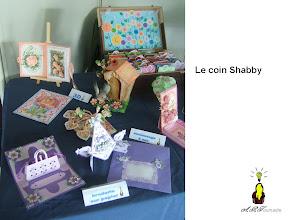Photo: Le coin Shabby carte animée, brodée, kirigami, fleurs de papier