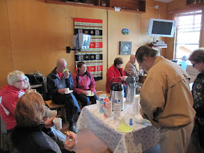 Photo: Uusien jäsenien kahvitus ja alueeseen tutustuminen.