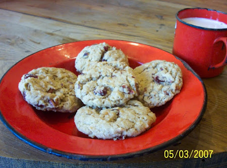 Berry Nutty Oatmeal Cookies Recipe