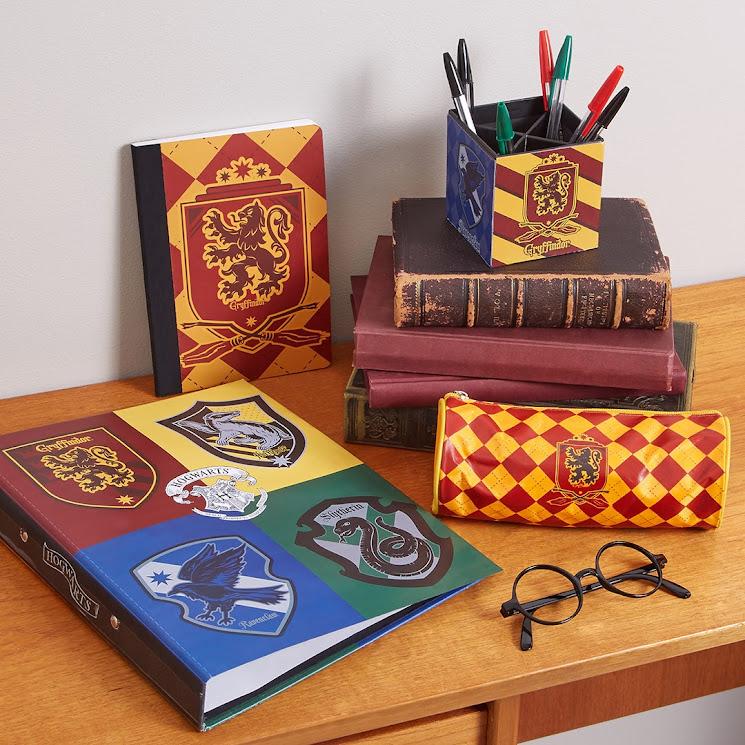 8-sorbos-de-inspiracion-Harry-Potter-en-Primark-carpetas-material-escolar