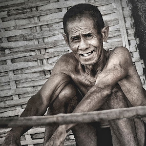 Joy in your eyes. by Billy Buana - People Portraits of Men ( life, tough, worker, men, people )