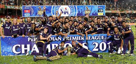 Photo: Bengaluru:  Kolkata Knight Riders' players with trophy after winning IPL 7 final against Kings XI Punjab in Bengaluru on Sunday. PTI Photo by Shailendra Bhojak (PTI6_2_2014_000006B)