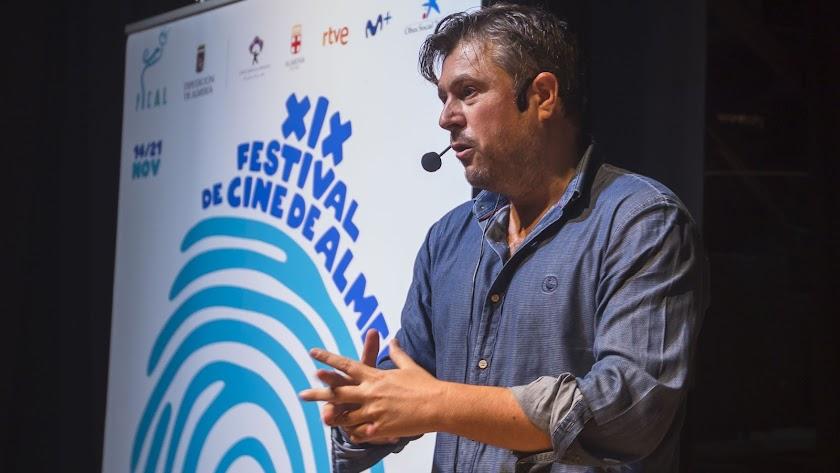 Tirso Calero, durante una conferencia en el último Festival Internacional de Cine de Almería.