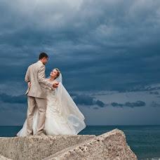 Wedding photographer Aleksandra Dodina (Alexandra). Photo of 19.12.2012