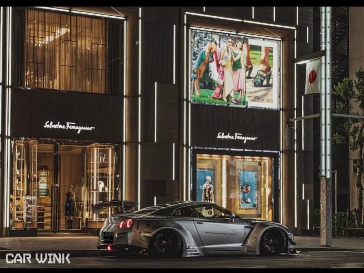NISSAN GT-R R35のLIBERTYWALK,LB★PERFOMANCE,car wink photo,真横,流行りに便乗に関するカスタム&メンテナンスの投稿画像3枚目