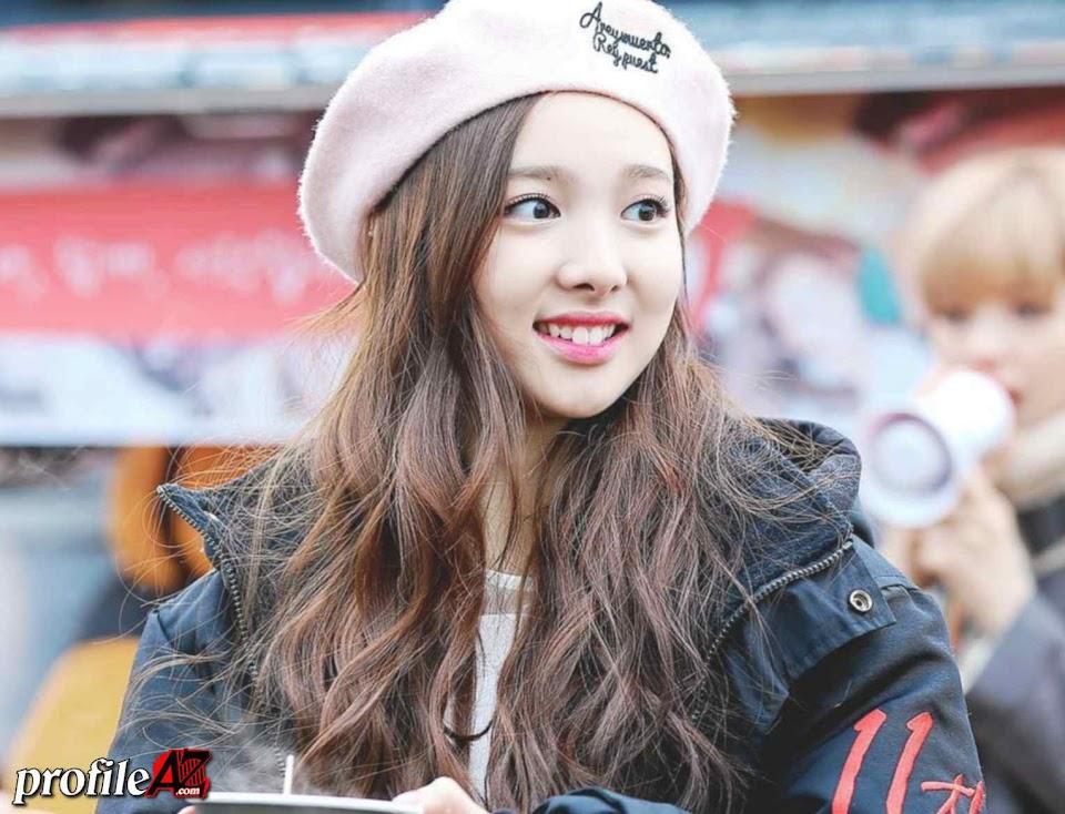 Nayeon (Twice) - Im Na Yeon - www.profileaz.com (1)