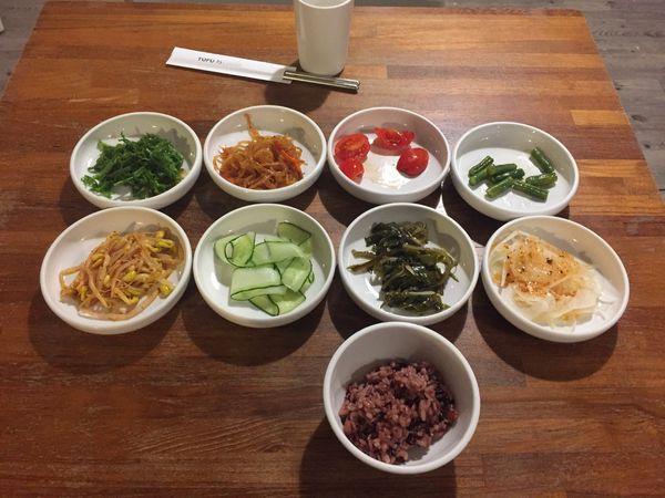 TOFU35韓式豆腐鍋~小菜,紫米飯吃到飽