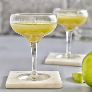 Tart Green Apple Martini Recipe