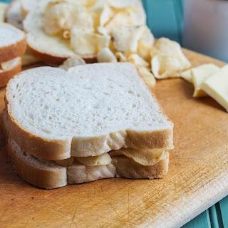 Irish Crisp Sandwich and St. Patrick's Day Round-Up.