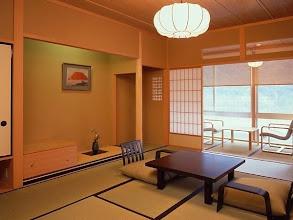 Photo: 特別室絶景川側10畳