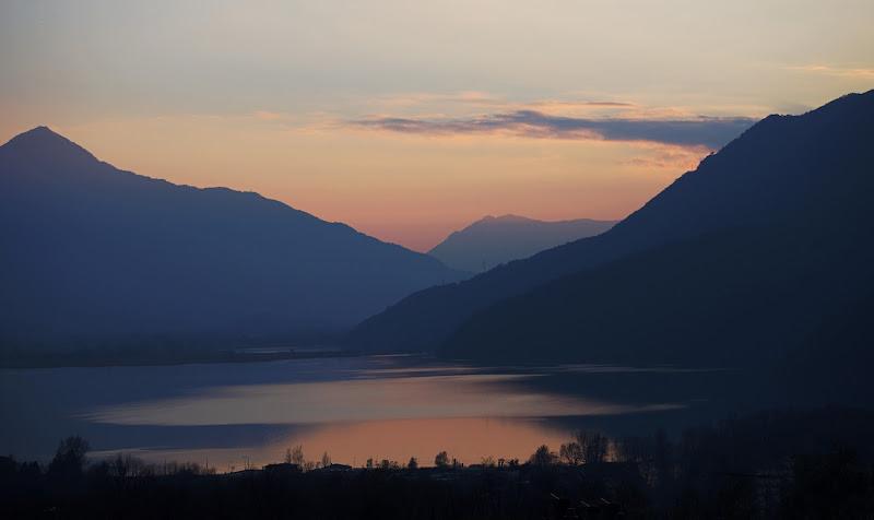 Crepuscolo sul lago di gaspare_aita