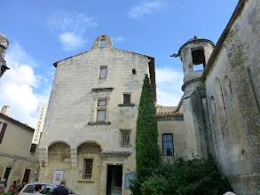 Photo: Chapelle St Vincent Lalanterne des morts. Quand un habitant des Baux mourait, une flamme y était allumée.