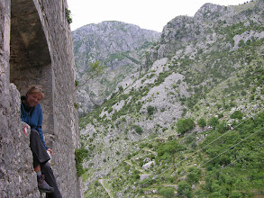 Photo: Suzanne, Kotor Fortress and flanking mountains