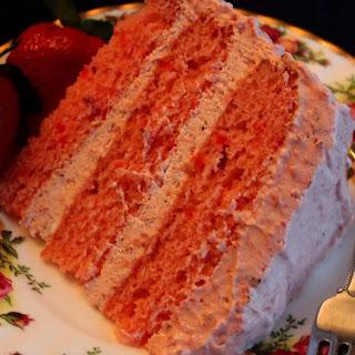 Strawberry Refrigerator Cake!.