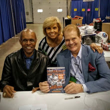 "Photo: He required just 68 games to enter the Pro Football Hall of Fame. I love Gale Sayers and his wife. I've known the ""Kansas Comet"" for 46 years but I've had the eyes on this magnificent athlete since he joined the Bears in 1965.  Yes, I was in Wrigley Field 12/6/65 when Galloping Gale scored six TDs versus a bewildered group of San Francisco 49ers."