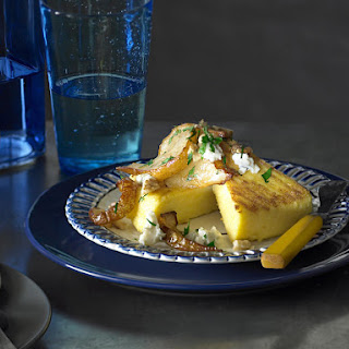 Grilled Polenta with Gorgonzola and Pear