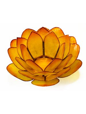 Ljuslykta, gul lotusblomma