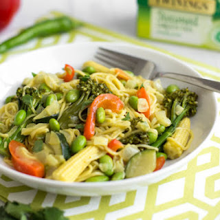Coconut Green Tea Curry Noodles