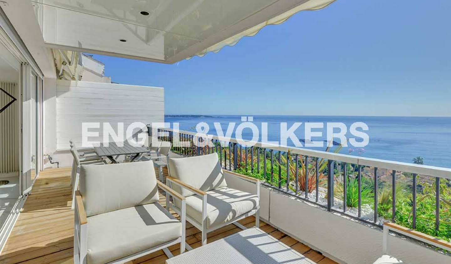 Apartment with terrace Vallauris