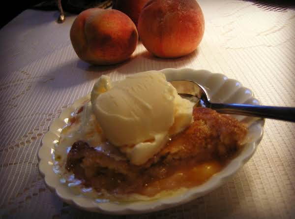 Georgia's Best Peach Cobbler