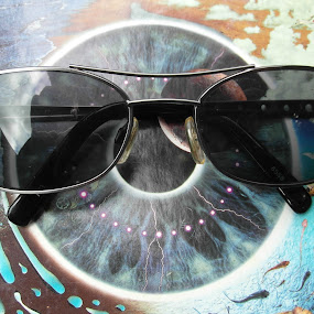 Spectacle by Nicola Graham - Artistic Objects Clothing & Accessories ( pwcsunglasses, glasses, artistic objects, accessories )
