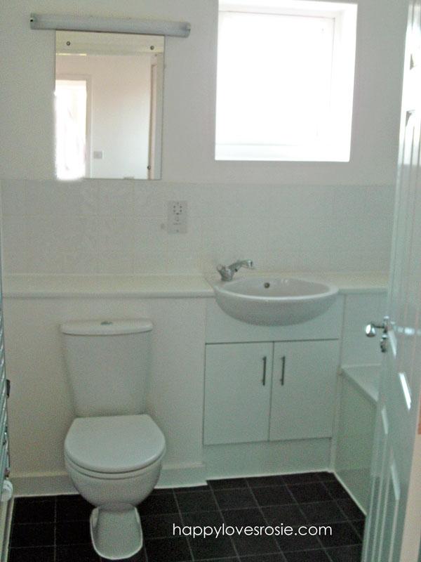 happy house bathroom before wet room