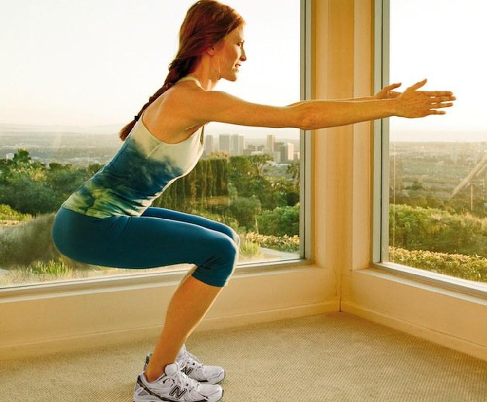 Bài tập hạ thấp đầu gối giảm đau lưng