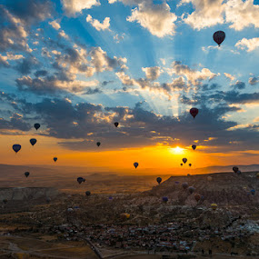 Dawn of the Balloons by Alessio Andreani - Landscapes Sunsets & Sunrises ( sunrise, turkey, balloons, cappadocia )