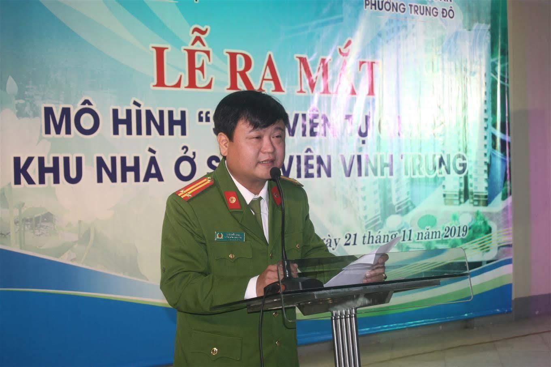 Trung tá Trần Đức Long, Trưởng Công an phường Trung Đô phát biểu tình hình ANTT trên địa bàn phường