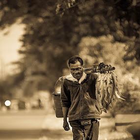 by Micah Orongan - People Street & Candids