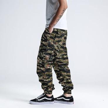 (預售款)🔥Hot item🔥  日系寬鬆版迷彩束腳褲
