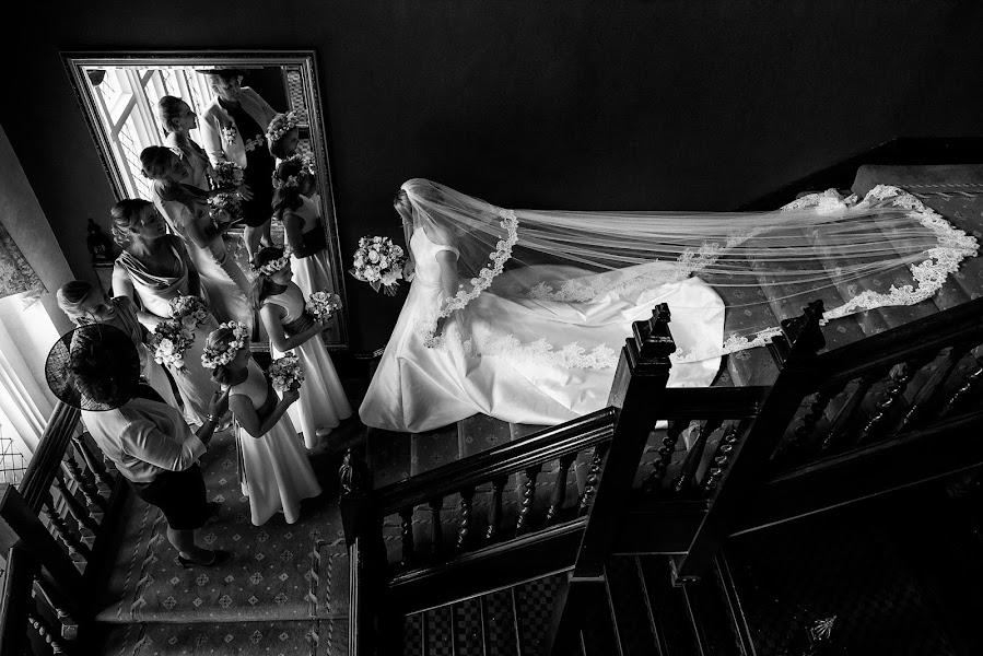 Wedding photographer Jon Mold (jonmold). Photo of 21.11.2016