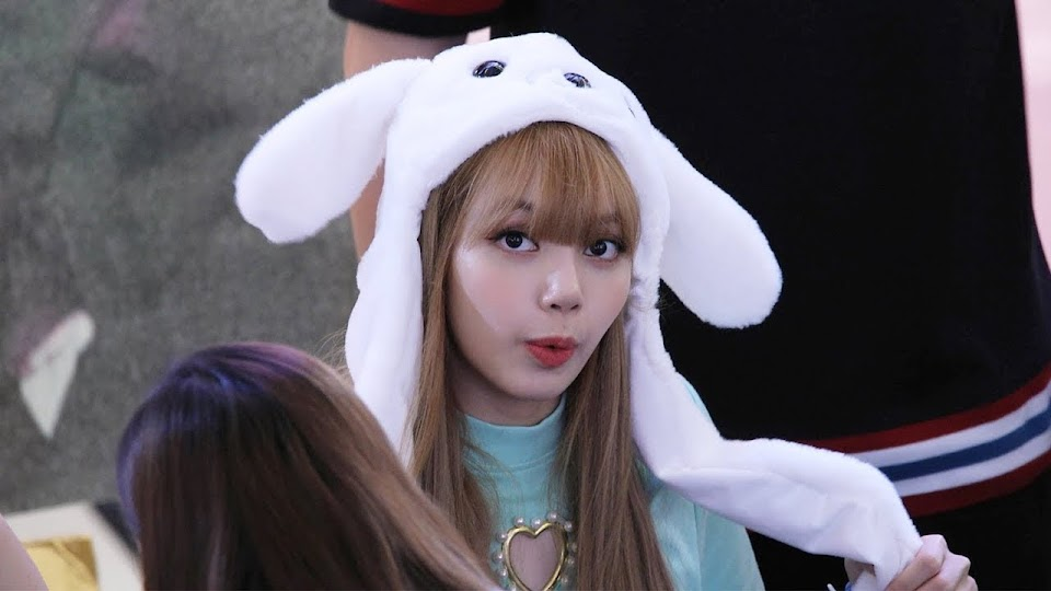 lisa-bunny-hat