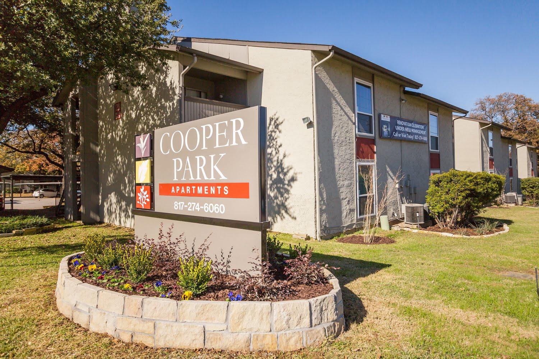 Cooper Park Apartments For Rent In Arlington Texas