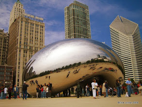 Photo: Cloud Gate, Millennium Park, Chicago, Illinois