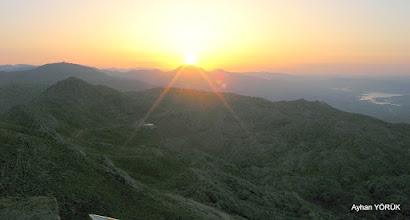 Photo: Nemrut Dağı'nda güneş doğuyor. Saat: 05:16 Karadut Köyü-Kahta-Adıyaman- 22.05.2016 Mezopotamya (Gaziantep-Şanlıurfa-Adıyaman Nemrut Dağı)  Etkinliği. - 19-20-21-22 Mayıs 2016
