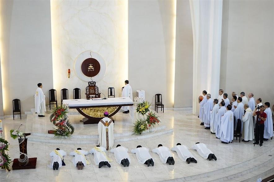 Dòng Ngôi Lời: Thánh Lễ Truyền Chức Linh Mục & Phó Tế - Ảnh minh hoạ 18