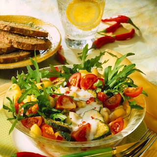 Gemüse-Nudelsalat mit Rucola