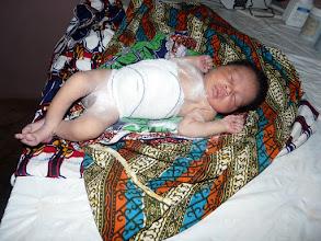 Photo: un petit garçon vient de naître...