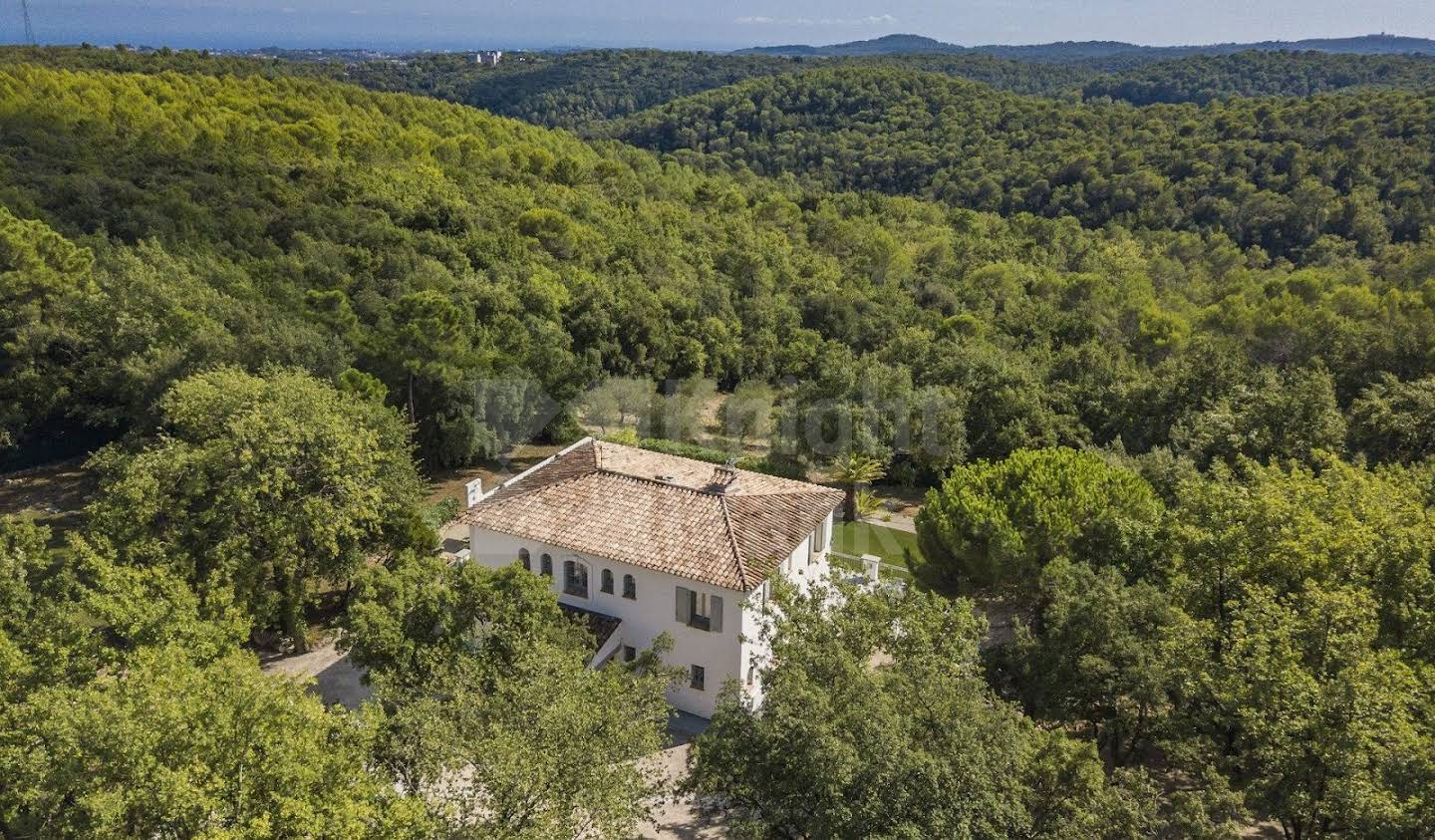 Villa with pool and terrace Valbonne