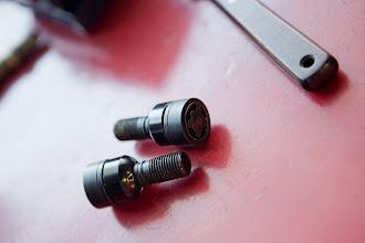 Photo: YOKOHAMA AVS MODEL F50には、ポルシェ純正ロックボルトは装着できませんのでご注意ください。