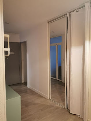 Location studio meublé 23,07 m2