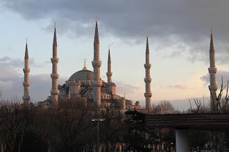 Photo: Mėlynoji mečetė Stambule.   The Blue mosque in Istanbul.