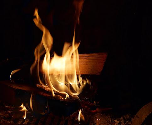 Natale in famiglia con il calore del caminetto di terazuc