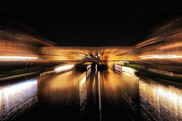 The Old Bridge by night di Marco Giovannini