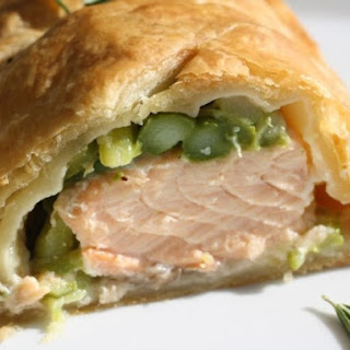 Salmon en Croûte with Rosemary and Asparagus.